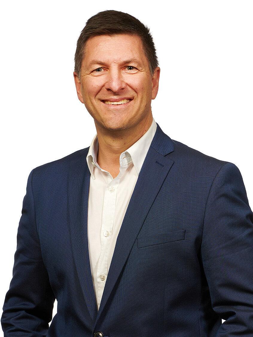 Portraitfoto von Oliver Vöst